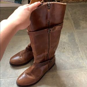 Perfect fall brown boot